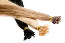 100 Echthaarsträhnen mit flachen Bondings in 50 cm Länge und 1 g Stärke